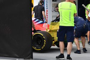 Robert Kubica, Williams FW41 with aero paint over the whole car behind screens