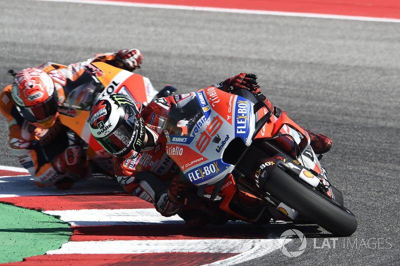 Хорхе Лоренсо, Ducati Team, зазнав аварії на останньому колі гонки з другої позиції
