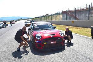 Matteo Nugnes, Mini John Cooper Works Lite, Mini Italia, in griglia di partenza