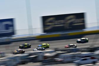 Jimmie Johnson, Hendrick Motorsports, Chevrolet Camaro Lowe's for Pros e Paul Menard, Wood Brothers Racing, Ford Fusion Menards / Aquafina