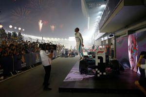 Yarış galibi Lewis Hamilton, Mercedes-AMG F1 W09, parc ferme