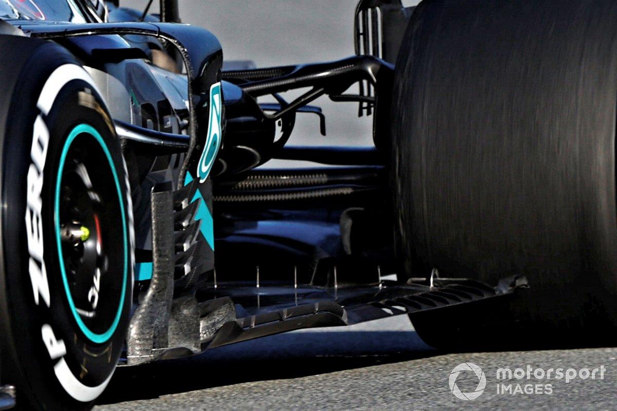 Mercedes W11: Unterboden