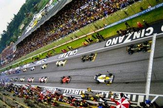 La parrilla de salida Ayrton Senna, Lotus 97T Renault, Keke Rosberg, Williams FW10 Honda, Elio de Angelis, Lotus 97T Renault, Michele Alboreto, Ferrari 156/85