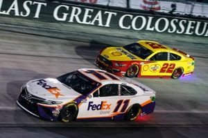 Denny Hamlin, Joe Gibbs Racing, Toyota Camry FedEx Ground and Joey Logano, Team Penske, Ford Mustang Shell Pennzoil
