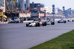 Peter Gethin, McLaren M14A Ford, Ronnie Peterson, March 711 Ford, Mike Hailwood, Surtees TS9, Francois Cevert, Tyrrell 002 Ford, Howden Ganley, BRM P160