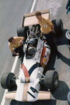 Pedro Rodriguez, BRM P153, in the pits