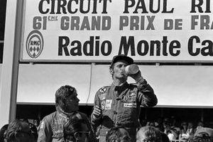1. Niki Lauda, Ferrari, 2. James Hunt, Hesketh