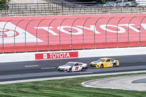Denny Hamlin, Joe Gibbs Racing, FedEx Express Toyota Camry, Kyle Busch, Joe Gibbs Racing, Pedigree Toyota Camry