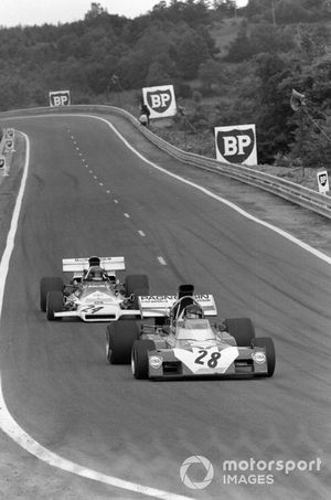 Andrea de Adamich, Surtees TS9B Ford leads Reine Wisell, BRM P160B