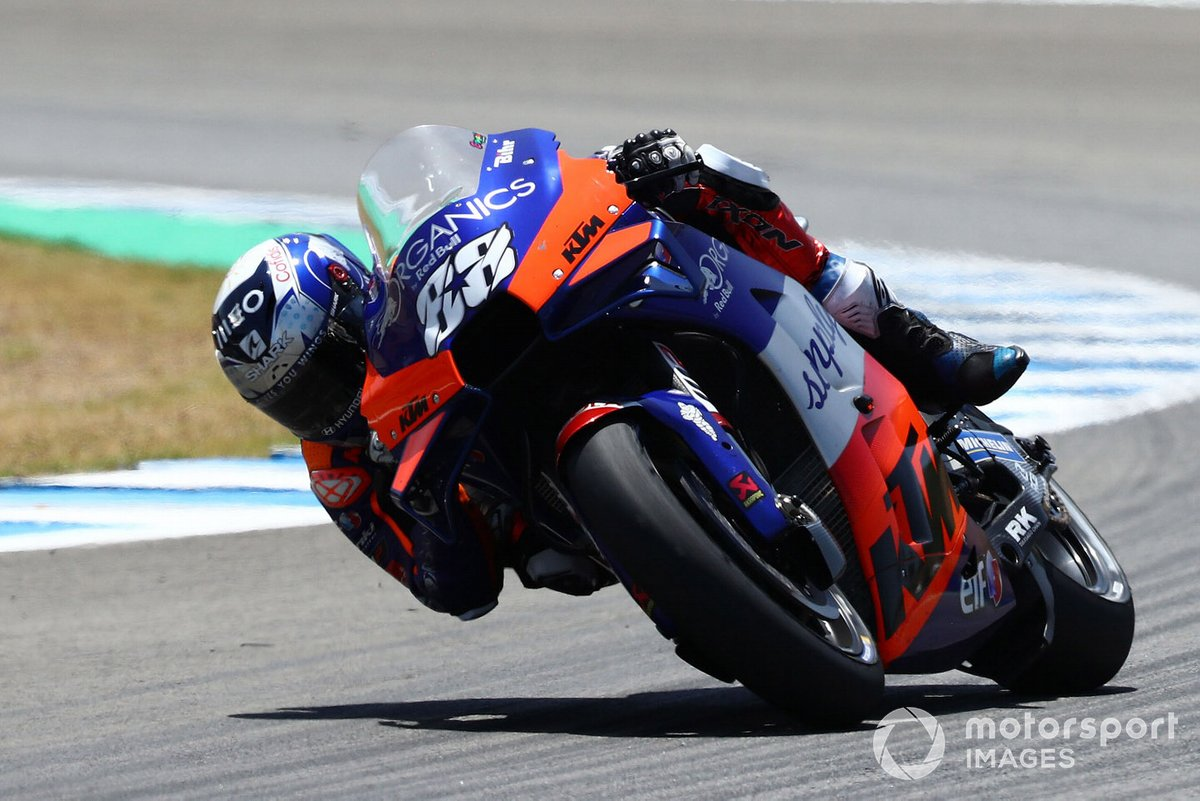 Miguel Oliveira, Red Bull KTM Tech 3, Valentino Rossi, Yamaha Factory Racing