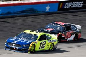 Ryan Blaney, Team Penske, Ford Mustang Menards/Maytag and Daniel Suarez, Gaunt Brothers Racing, Toyota Camry Toyota Certified Used Vehicles