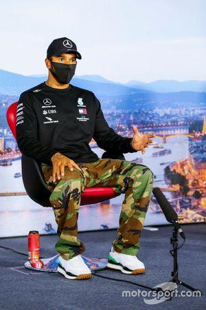 Lewis Hamilton, Mercedes-AMG Petronas F1, in de persconferentie