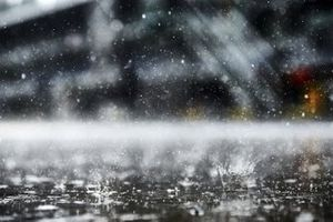 Дождь на пит-лейне