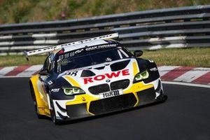 #98 ROWE Racing BMW M6 GT3: Lucas Auer, Nick Yelloly
