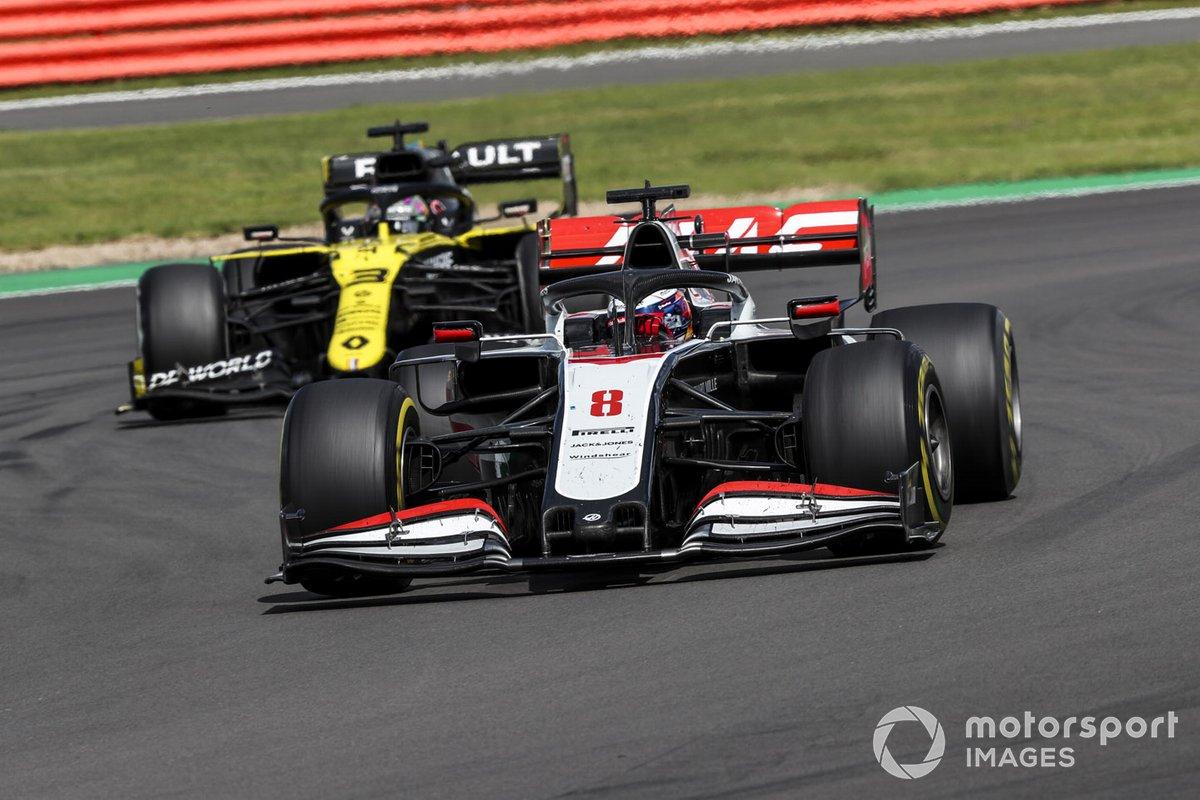 Romain Grosjean, Haas VF-20, Daniel Ricciardo, Renault F1 Team R.S.20