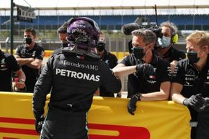 Pole position winner Lewis Hamilton, Mercedes-AMG F1, celebrates with his team in parc ferme