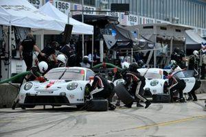 #912 Porsche GT Team Porsche 911 RSR - 19, GTLM: Laurens Vanthoor, Earl Bamber, #911 Porsche GT Team Porsche 911 RSR - 19, GTLM: Nick Tandy, Fred Makowiecki