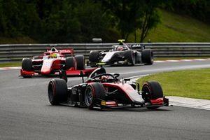 Callum Ilott, UNI-Virtuosi, Mick Schumacher, Prema Racing and Luca Ghiotto, Hitech Grand Prix