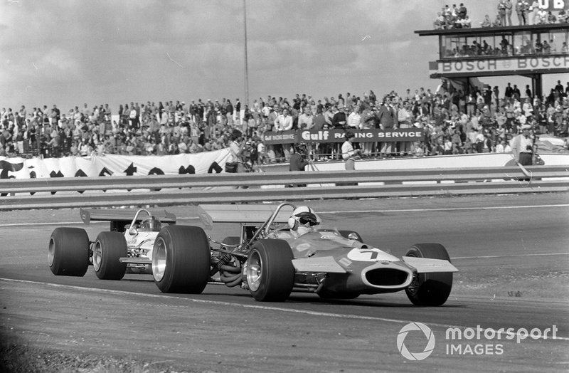 Jack Brabham, Brabham BT33 Ford, leads another car