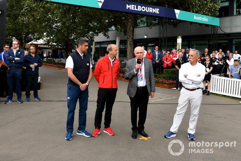 Michael Masi, Race Director, Andrew Westacott, Australian Grand Prix Corporation CEO e Chase Carey, Presidente, Formula 1 parla con la stampa