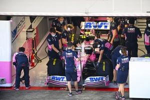 Lance Stroll, Racing Point RP20, in the garage