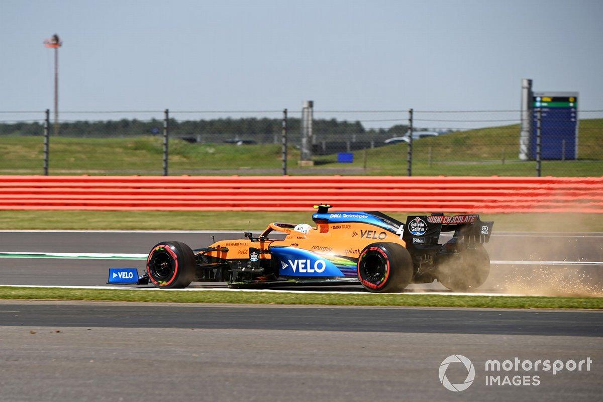 Lando Norris, McLaren MCL35 se sale de pista