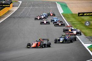 Bent Viscaal, MP Motorsport en Ben Barnicoat, Carlin