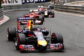 Sebastian Vettel, Red Bull Racing RB10 Renault, leads Kimi Raikkonen, Ferrari F14T, Daniel Ricciardo, Red Bull Racing RB10 Renault, and Fernando Alonso, Ferrari F14T