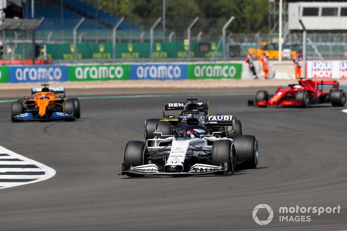 Daniil Kvyat, AlphaTauri AT01, Daniel Ricciardo, Renault F1 Team R.S.20, Carlos Sainz Jr., McLaren MCL35