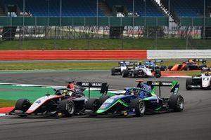 Max Fewtrell, Hitech Grand Prix, leads Cameron Das, Carlin