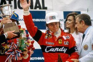 3. Didier Pironi, Ferrari, mit Jean-Marie Balestre