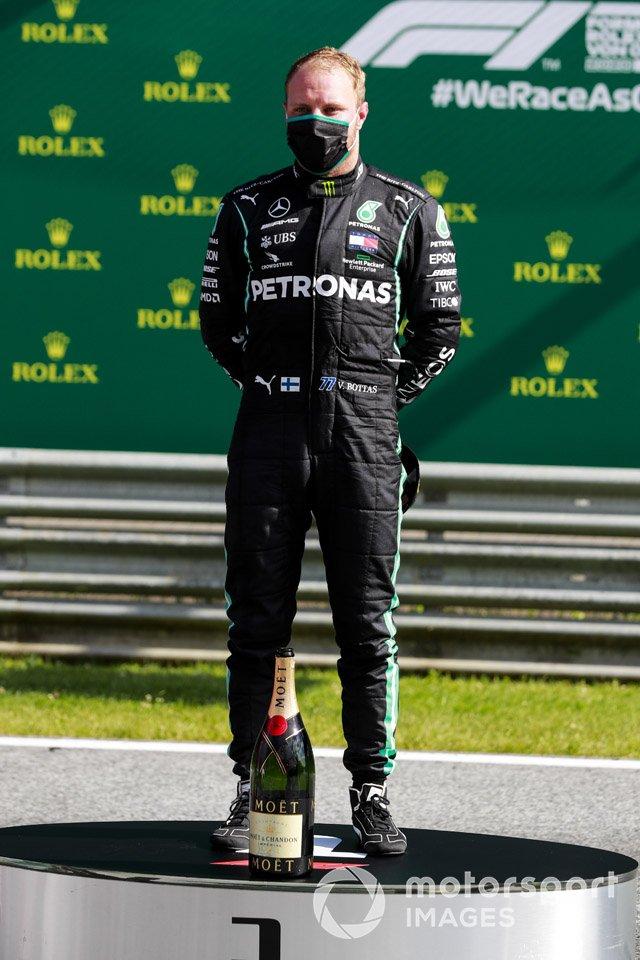 Podio: ganador Valtteri Bottas, Mercedes-AMG Petronas F1