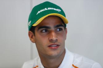 Il nuovo collaudatore e pilota sviluppatore McLaren, Sergio Sette Camara, viene presentato ai media