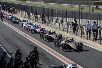 2018/19 Formula E Season 5 cars line up in pit lane