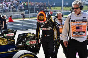 Carlos Sainz Jr., Renault Sport F1 Team R.S. 18 in parc ferme