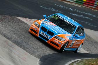 #490 BMW 325i e90: Christopher Rink, Danny Brink, Phillipp Leisen