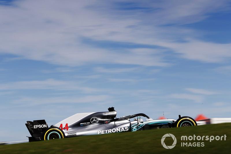 Быстрейший круг в гонке остался за Хэмилтоном – 1:37.392. Это новый рекорд круга в гонке в Остине и 41-й быстрый круг Льюиса в Ф1 – столько же их у Алена Проста. Лидирует по этому показателю Шумахер (77 быстрых кругов), а второе место занимает Райкконен (46)