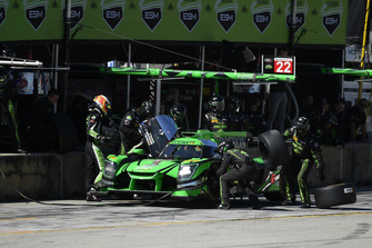 #22 Tequila Patron ESM Nissan DPi, P: Pipo Derani, Johannes van Overbeek, Timo Bernhard