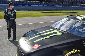 Kurt Busch, Stewart-Haas Racing, Ford Fusion Monster Energy / Haas Automation.