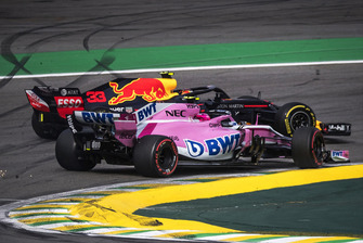 Aanrijding Max Verstappen, Red Bull Racing RB14 en Esteban Ocon, Racing Point Force India VJM11