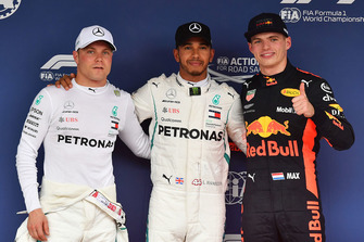 Valtteri Bottas, Mercedes AMG F1, Lewis Hamilton, Mercedes AMG F1 and Max Verstappen, Red Bull Racing celebrate in parc ferme