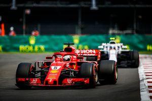 Sebastian Vettel, Ferrari SF71H, devant Charles Leclerc, Sauber C37