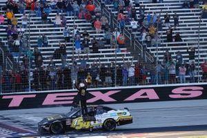 Ganador de la carrera John Hunter Nemechek, Joe Gibbs Racing, Toyota Supra
