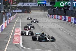 Valtteri Bottas, Mercedes W12, Antonio Giovinazzi, Alfa Romeo Racing C41, and Nicholas Latifi, Williams FW43B