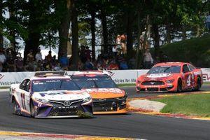 Denny Hamlin, Joe Gibbs Racing, Toyota Camry FedEx Freight, Erik Jones, Richard Petty Motorsports, Chevrolet Camaro SCAG Power Equipment