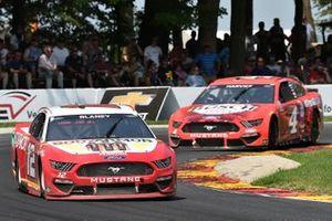 Ryan Blaney, Team Penske, Ford Mustang BodyArmor, Kevin Harvick, Stewart-Haas Racing, Ford Mustang Busch Light Apple