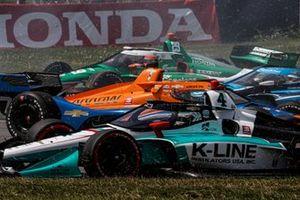 Felix Rosenqvist, Arrow McLaren SP Chevrolet, James Hinchcliffe, Andretti Steinbrenner Autosport Honda, crash