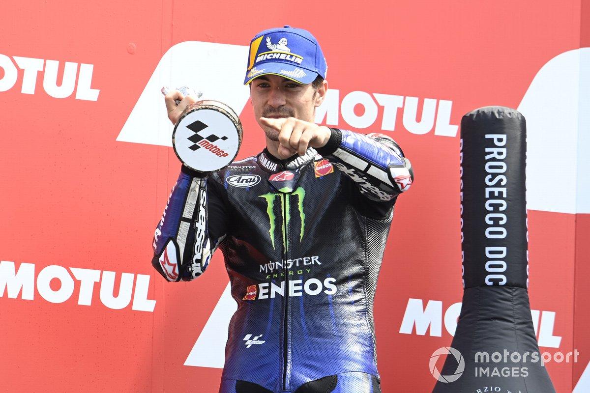 Podio: segundo lugar Maverick Viñales, Yamaha Factory Racing