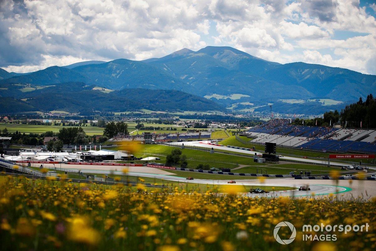 Esteban Ocon, Alpine A521, Lance Stroll, Aston Martin AMR21