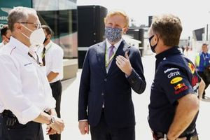 Oliver Dowden CBE, Secretary of State for Digital, Culture, Media and Sport, with Christian Horner, Team Principal, Red Bull Racing